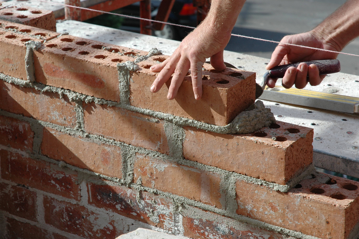 4 Major Problems and Expert Solutions for a Masonry Foundation